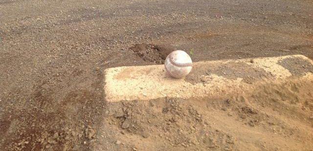 高校野球のマウンド