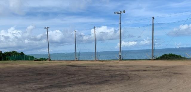 海の見える野球グランド